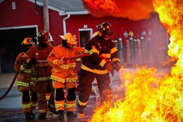 Двое краснодарцев пострадали при взрыве газового баллона в личном доме