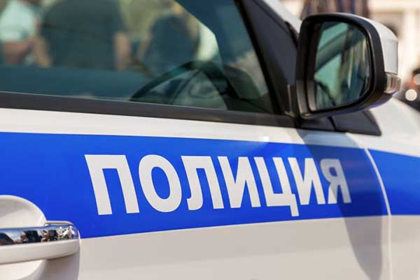 В Крыму мужчина ограбил таксиста угрожая ножом